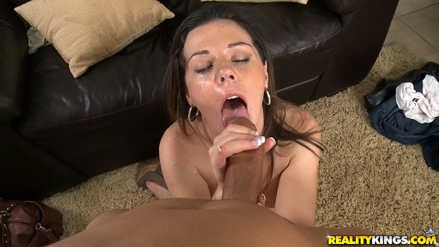 Dirty lesbians licking pussy