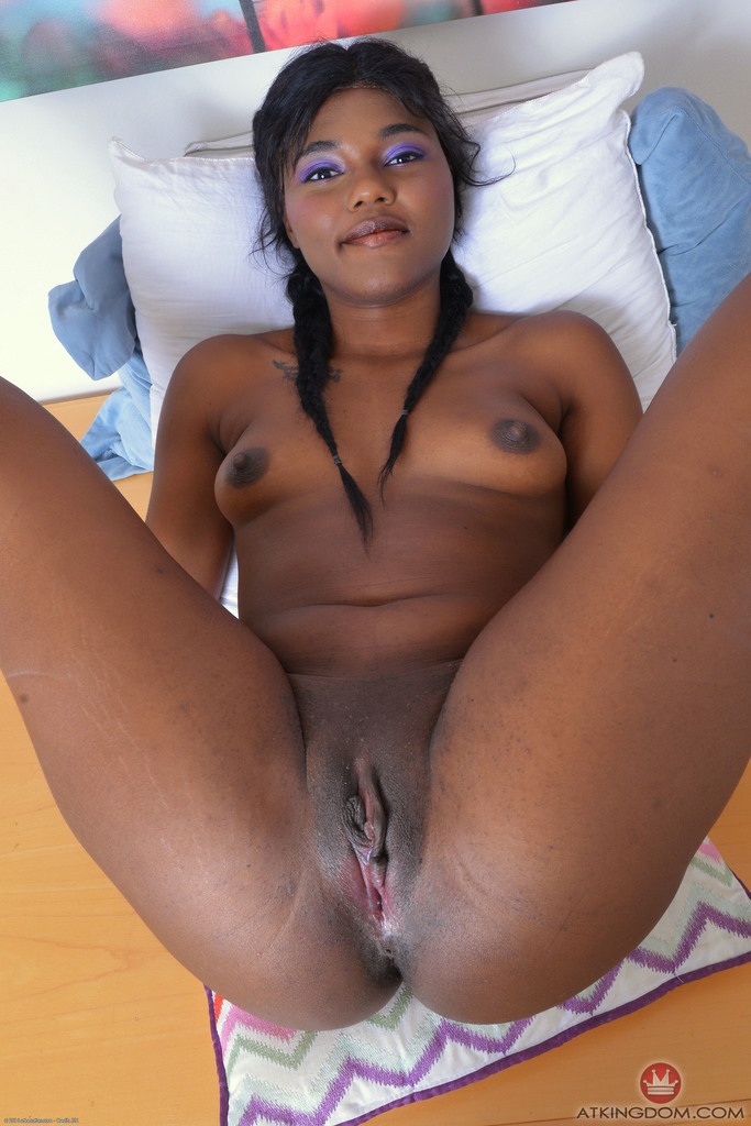 Amateur Ebony Teen Yara Skye Goes Serious With Her Shaved Pussy And Ass