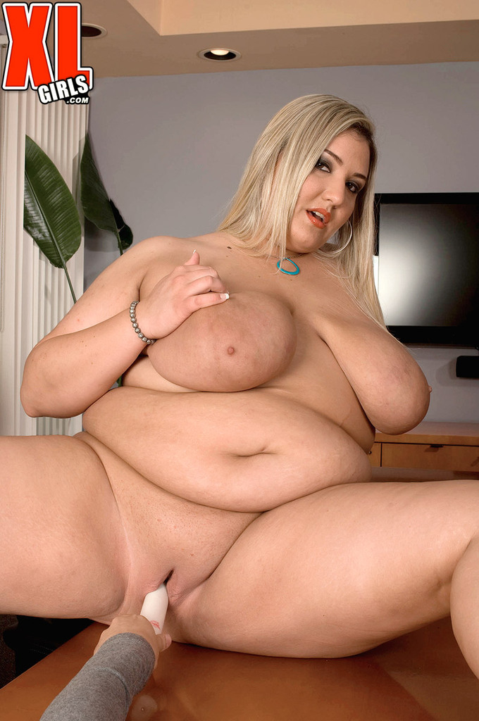 BBW MILF Pop that pussies
