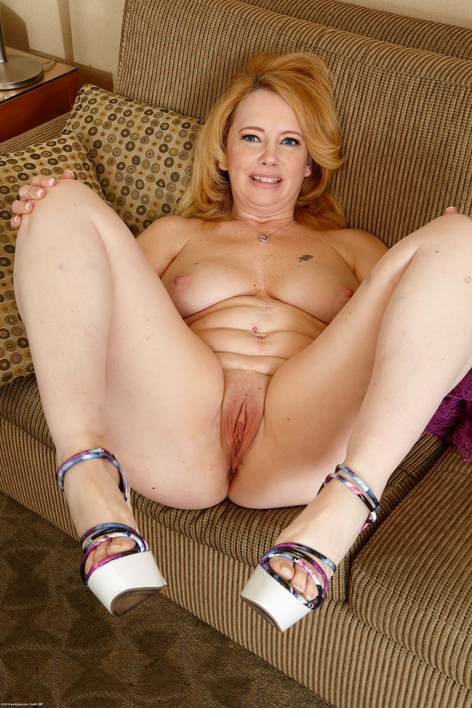 Amateur Handjob British Mature