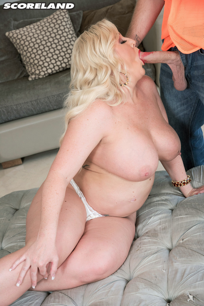 Fat Mature Broad Holly Wood Shakes Her Money Maker To Ensure A