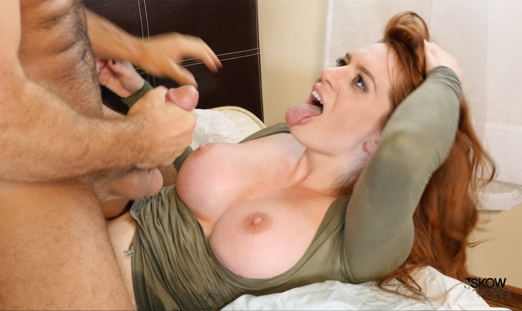 Rivedere Redhead tit smashed when the