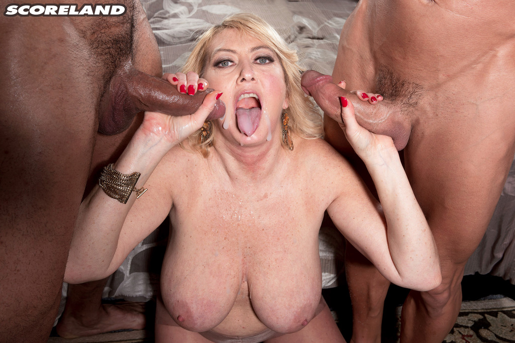 Tahnee Taylor Busty Milf Of The Month Scoreland Banging Family 1