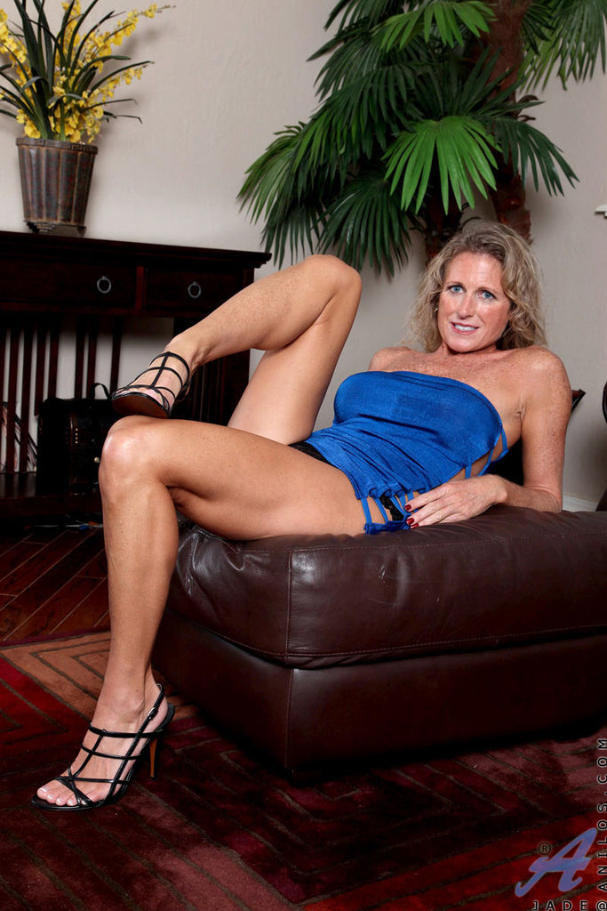 ... Mature vixen with big tits rides her dildo toy without any limits till  orgasm ...