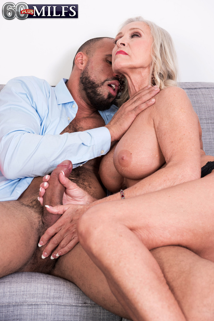 milfs looking for strong dicks