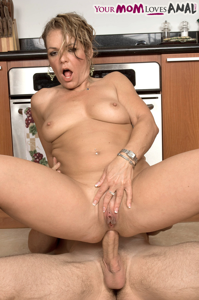 Kelly from moms anal adventures 3