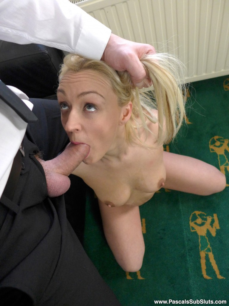 submissive blonde amateur amber deen pleases her guy with oral and