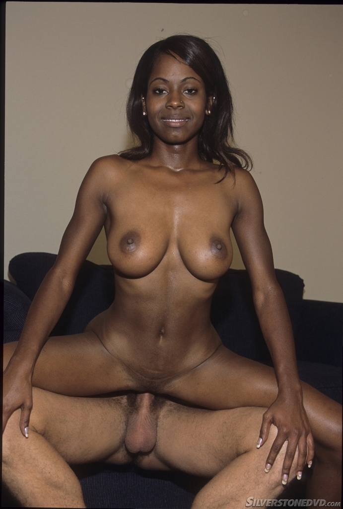 Black mom fucks