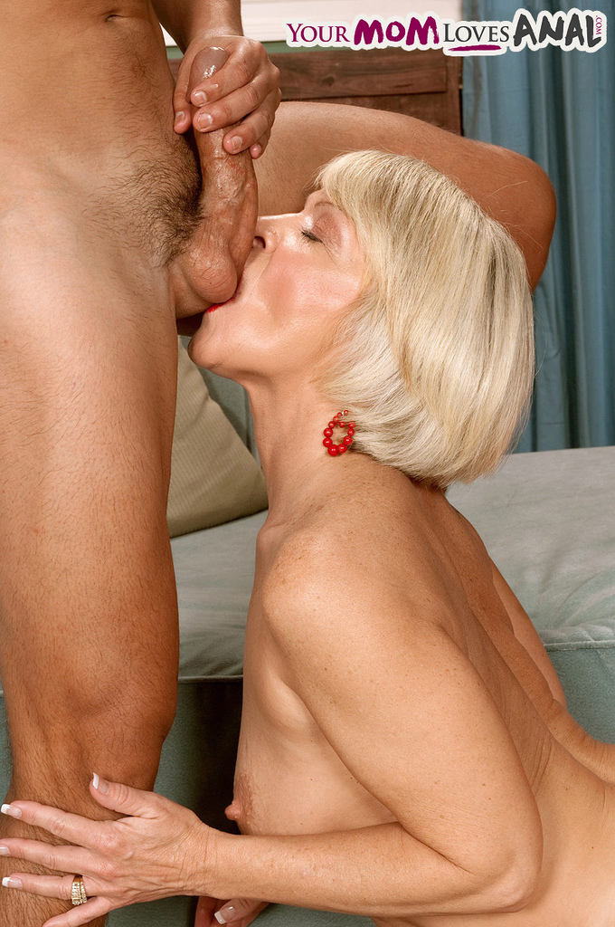 Entertaining Mature ladies having anal sex seems magnificent