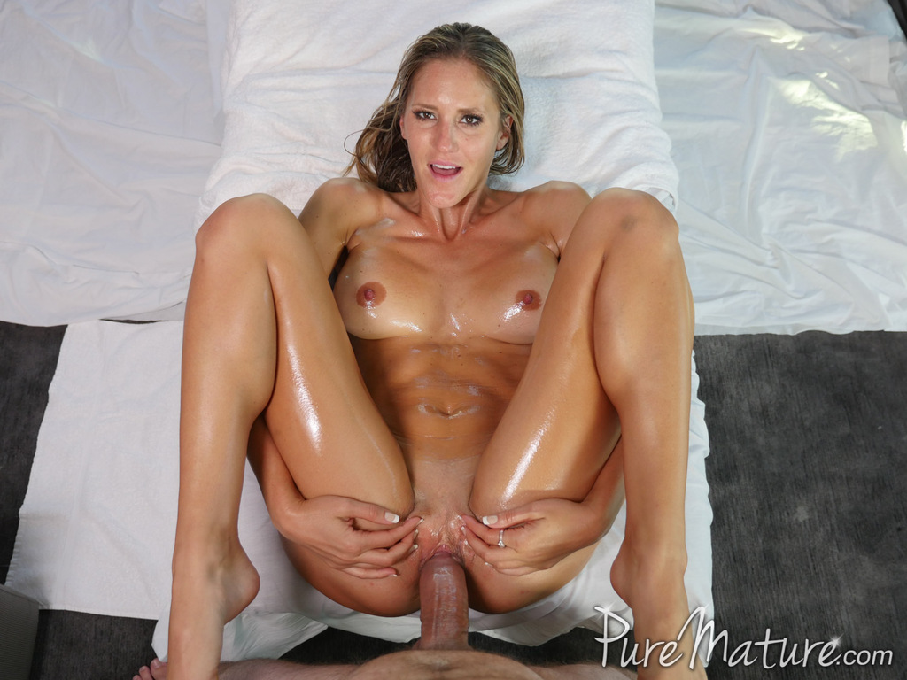Puremature busty milf audrey irons massage fuck to relieve work stress 9