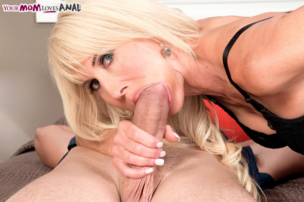 Anal hot loves mature mom