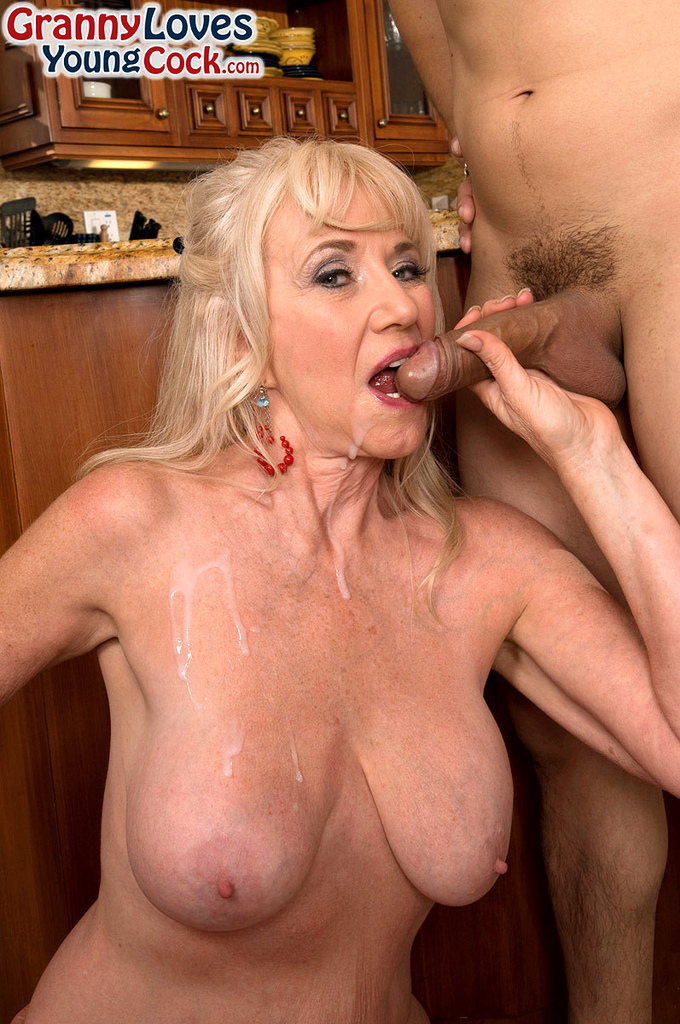 free fucking mature milf woman picture
