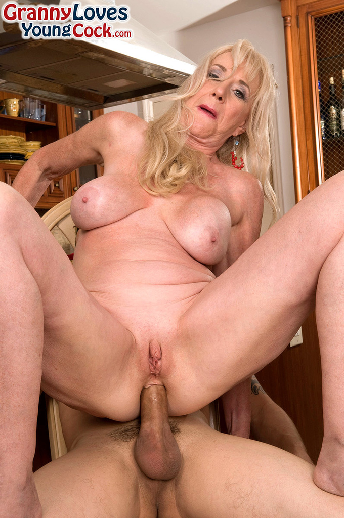 Granny plus cougar plus not their daughter - 1 part 5