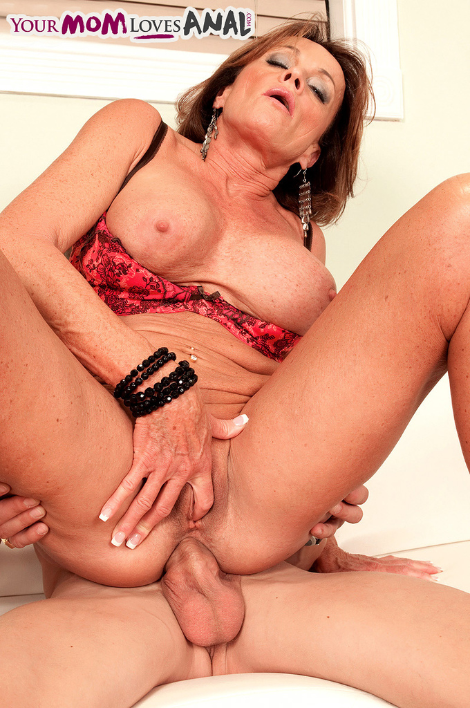 old milfs naked and fucking