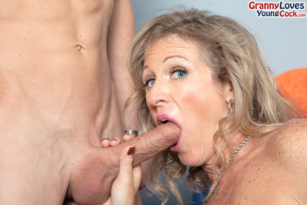 With Mom loves jizz in her face are