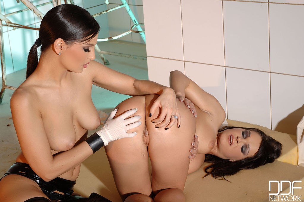 Hot lesbians Eve Angel and Jeny Baby invade tight assholes in doctorss room