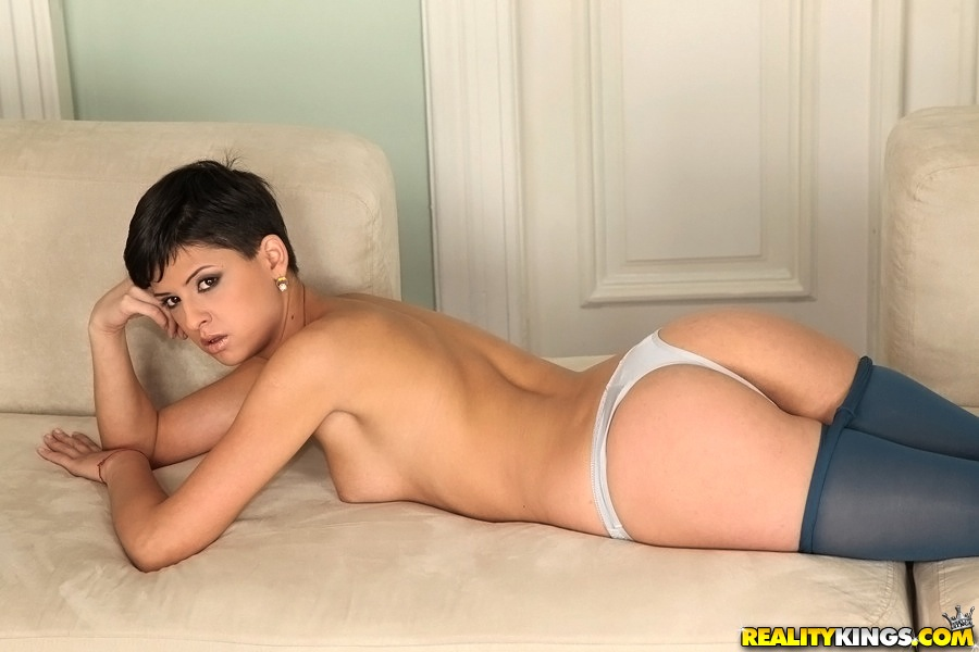 Coco de mal nude brunette short hair talk