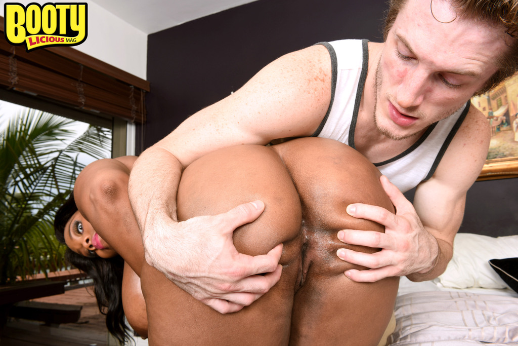 Yummy Guys In Tats Ass Nailing