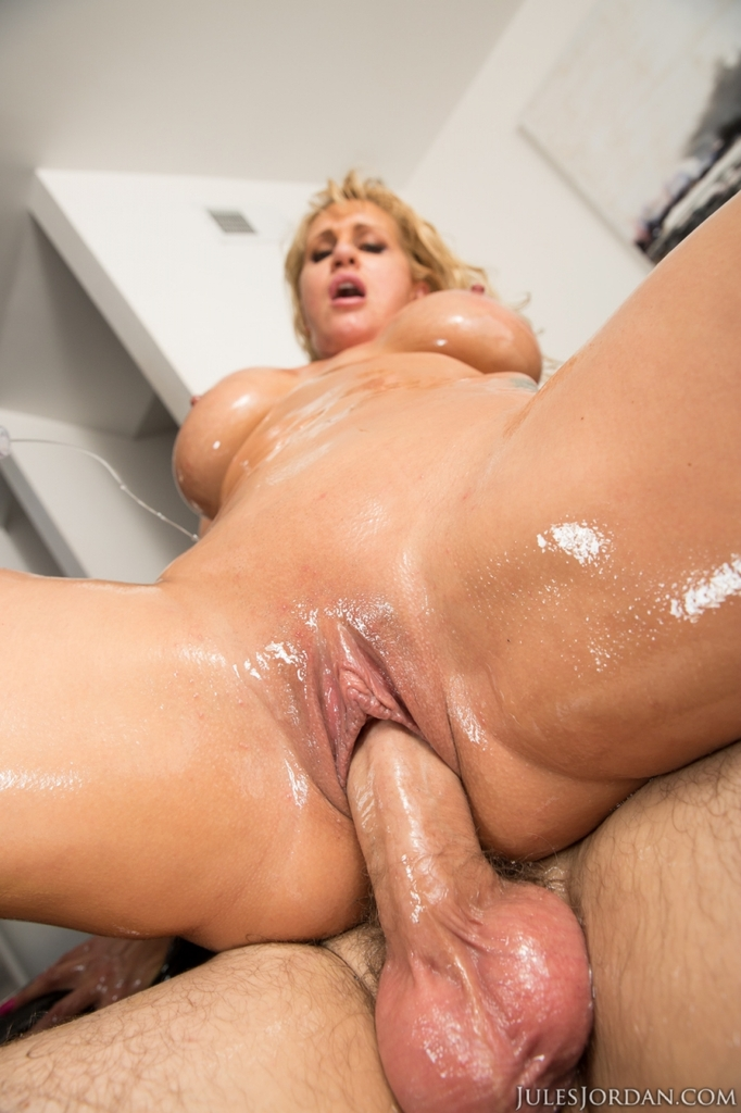 nude oil covered milfs