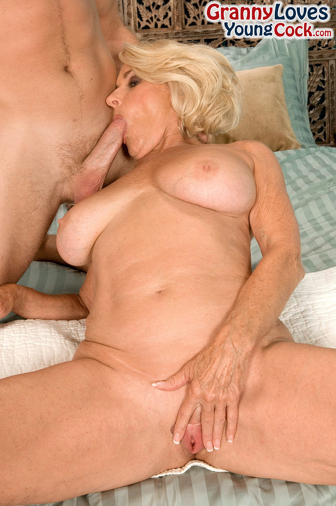 moms who love young cock
