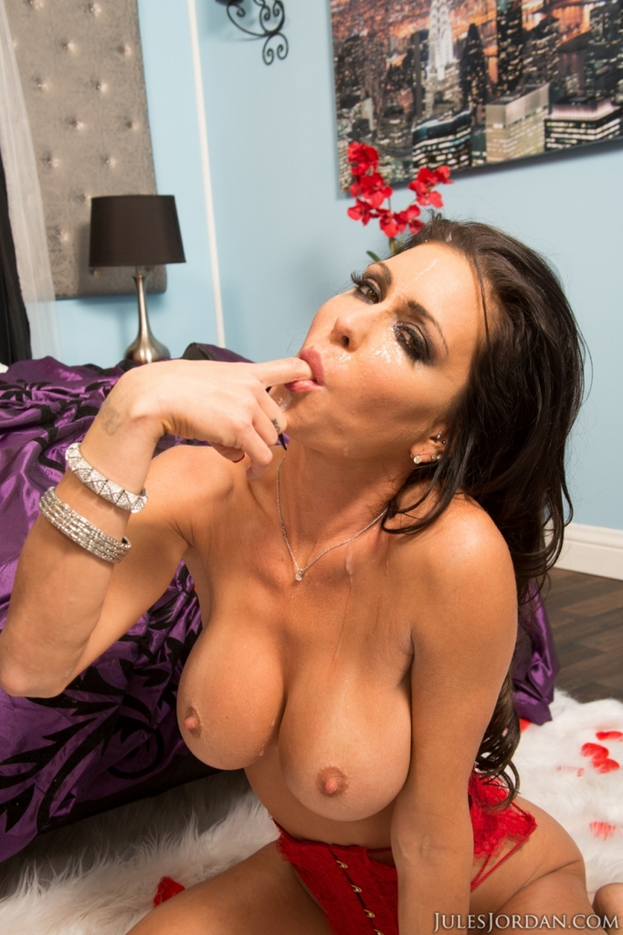 ... Busty pornstar Jessica Jaymes gets banged by a big cock before a cum  swallow