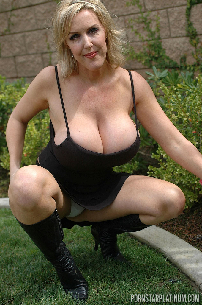 Blonde Mature Huge Tits