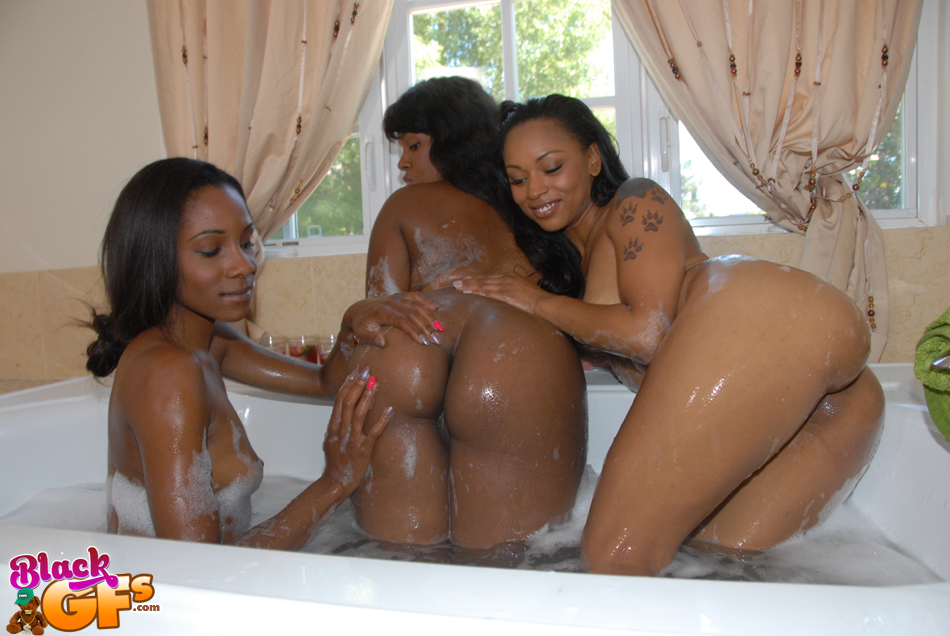Black Threesome Two Girls