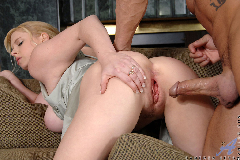 Beautiful Svelte Milf Getting Her Assfuck Gets 1