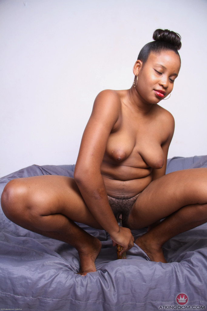 pictures-of-naked-black-ladies-using-sex-toys