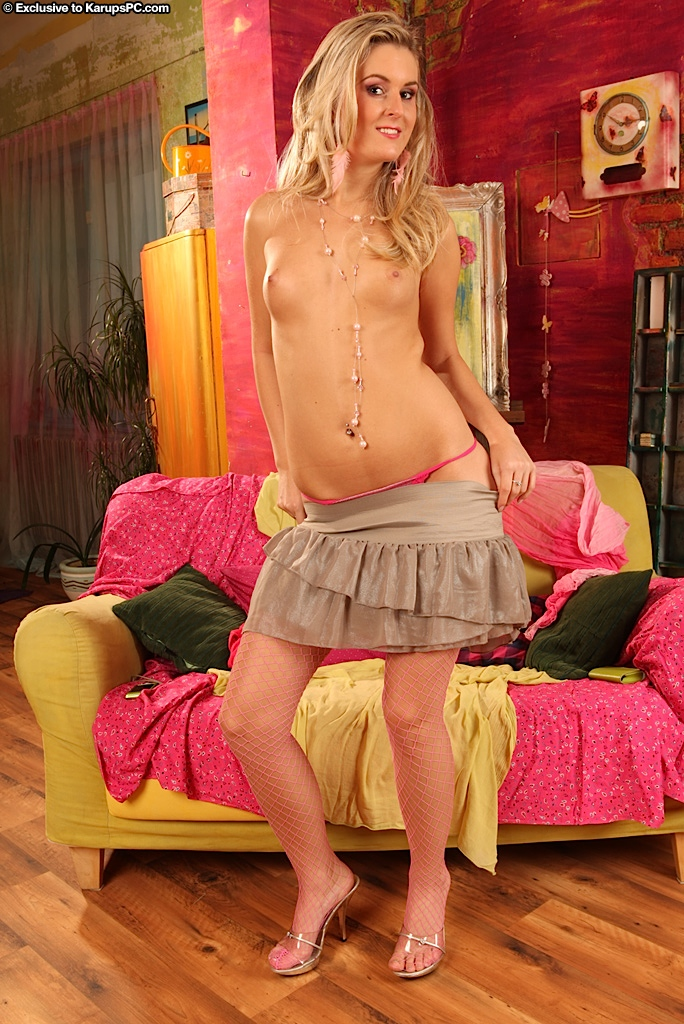 Vuile blonde amateur vingers haar tiener kut tijdens naakt modellering première porno foto #332136037 | Karups Private Collection, Elisse, Amateur, Ass, Babe, Blonde, Close Up, Clothed, Face, Legs, Masturbation, Nipples, Panties, Pussy, Shaved, Skirt, Spreading, Teen, Tiny Tits, Undressing, mobiele porno