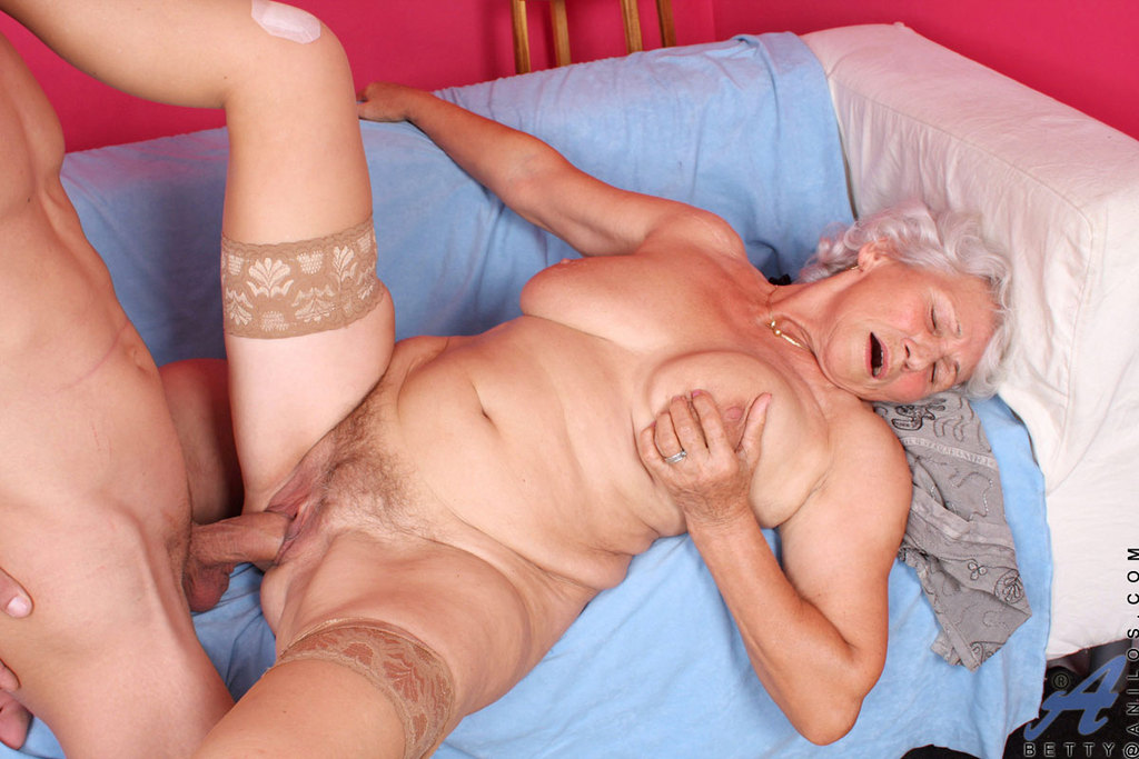 Free old woman young girl sex