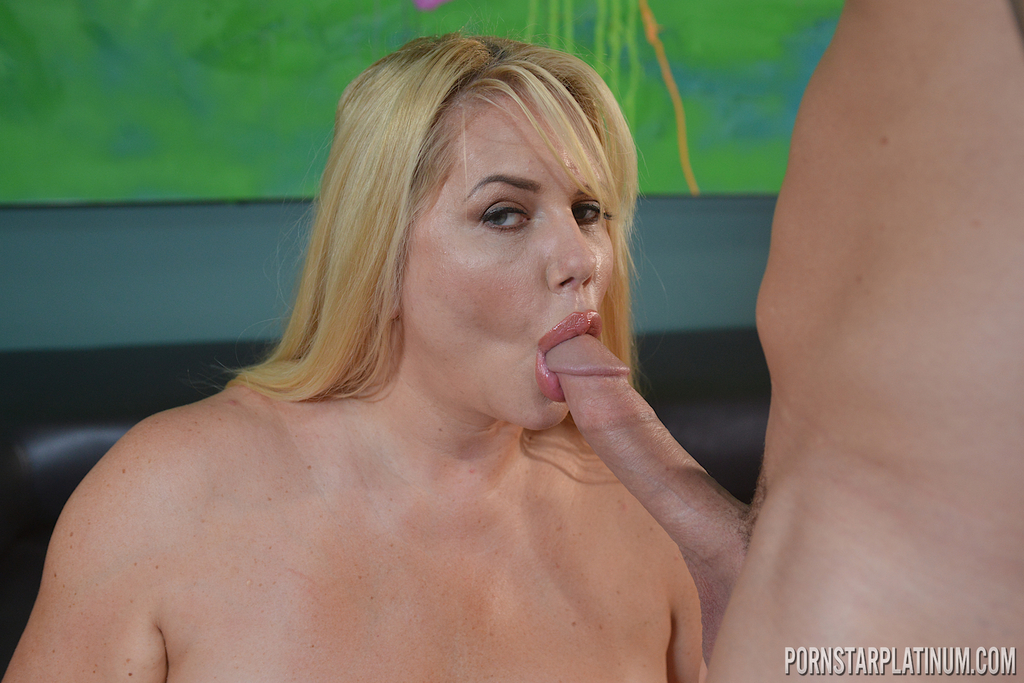 Overweight blonde chick Karen Fisher gives a tit fuck and blowjob at once