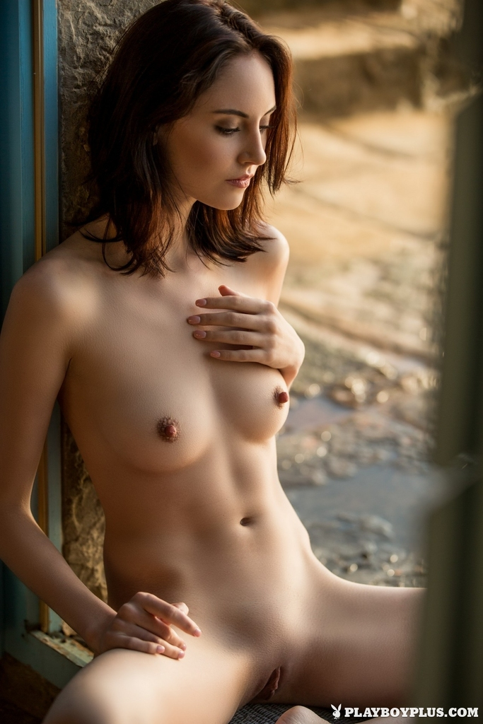 Sade nude pictures