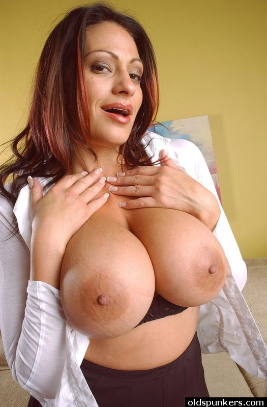 Avn mature mom son