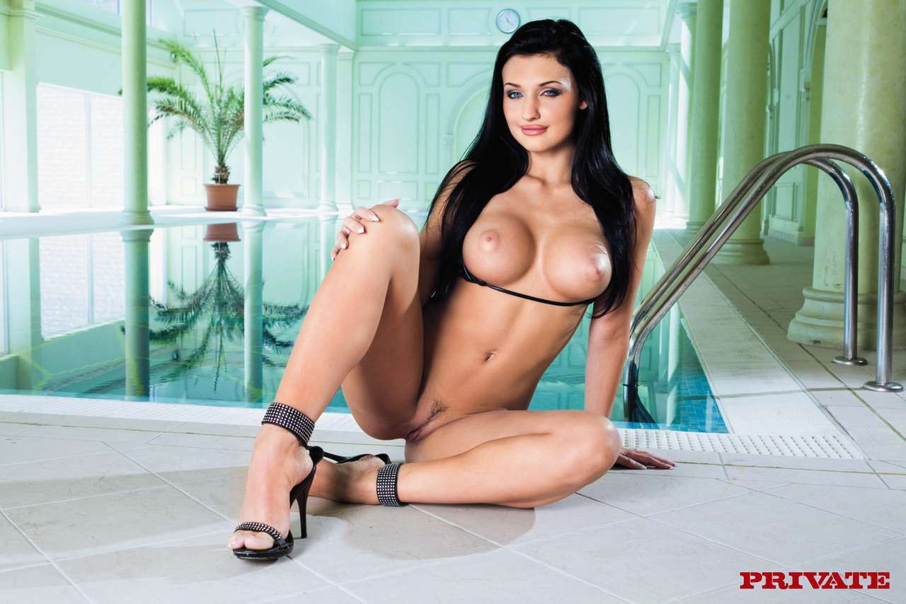 Aletta Ocean Hot Mom Blowjob