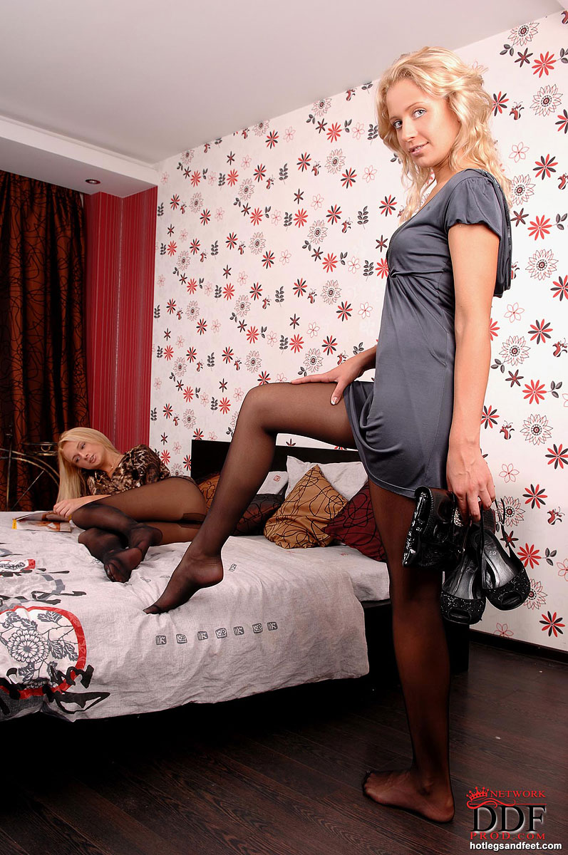 having-sex-free-pantyhose-gallery-honey-blonde