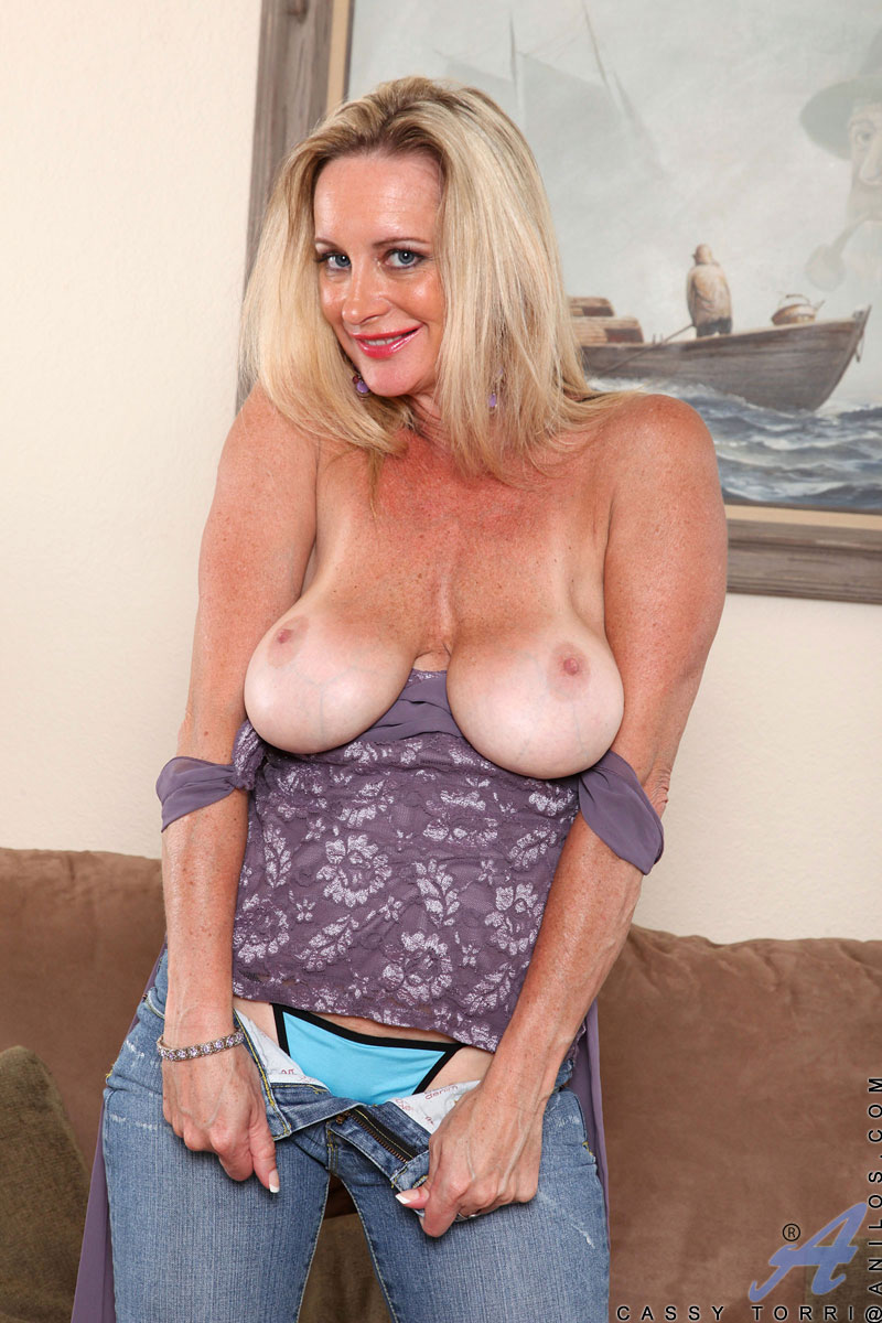 Mature sexy breasts