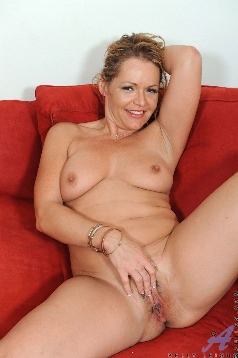 Naked mature liegh