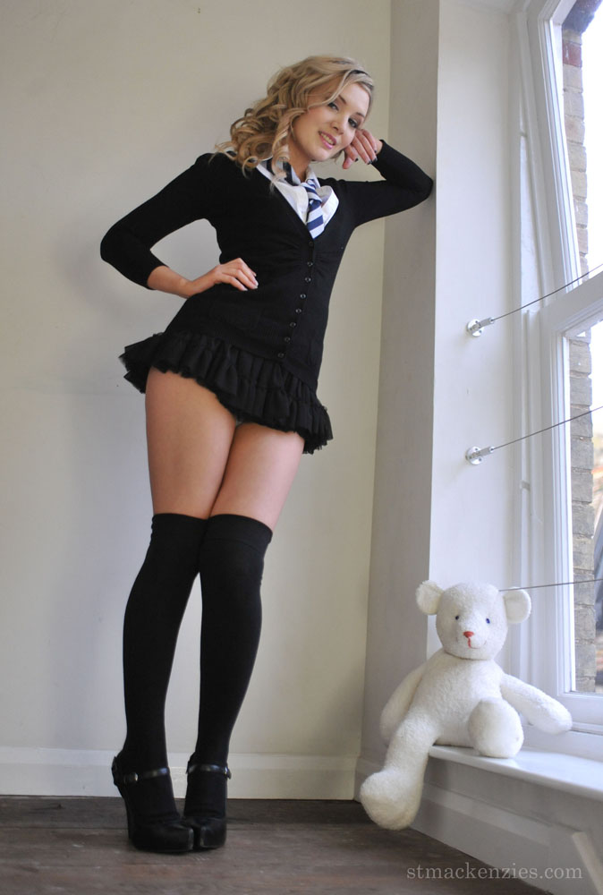 Nice fat thighs and pussy