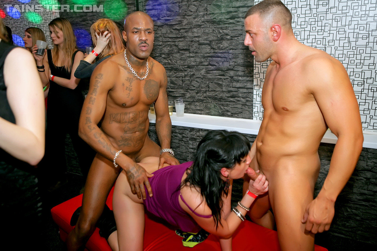 woman-fucking-male-strippers