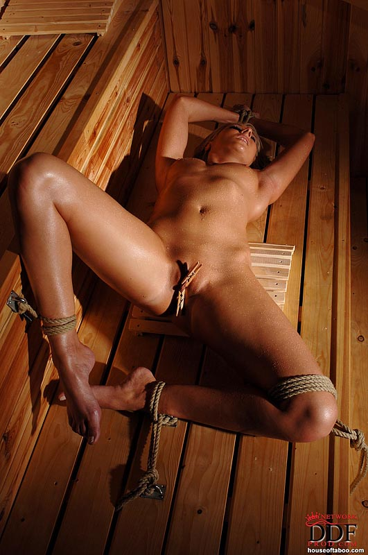 Topic Naked bdsm girls pics