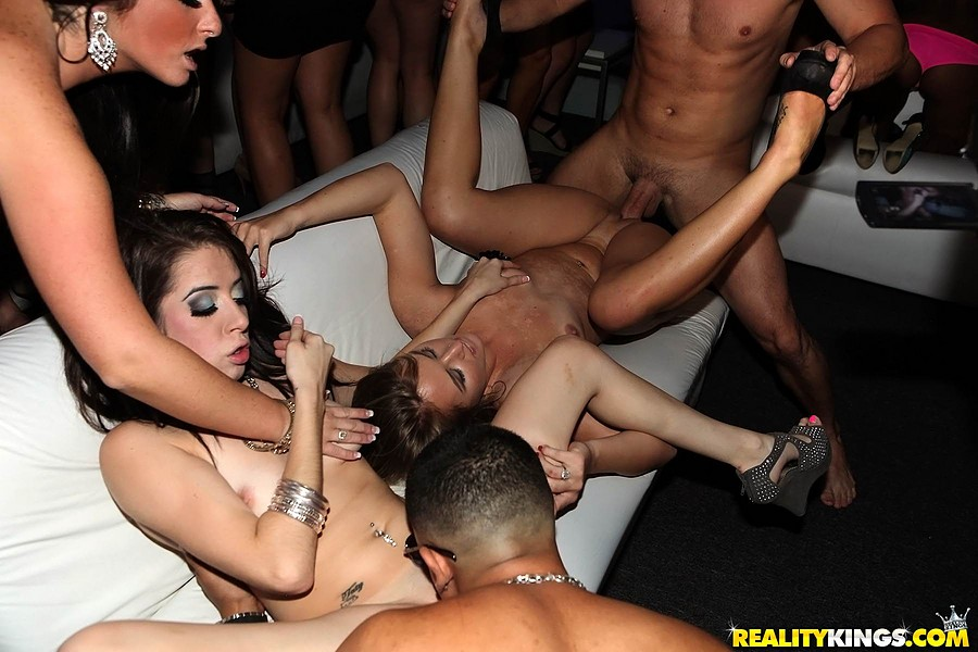 Party girls group sex drunk