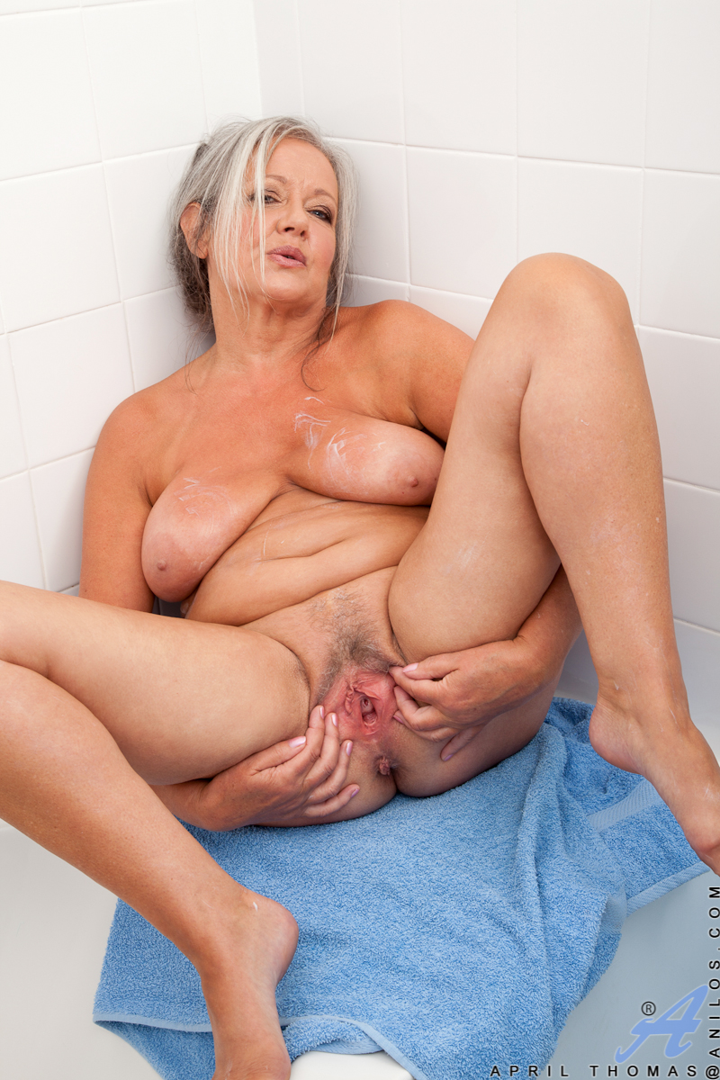 All Natural Mature Milf Solo