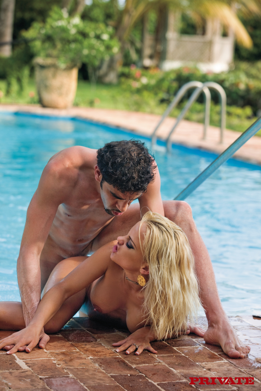 Hot blonde fucked the pool