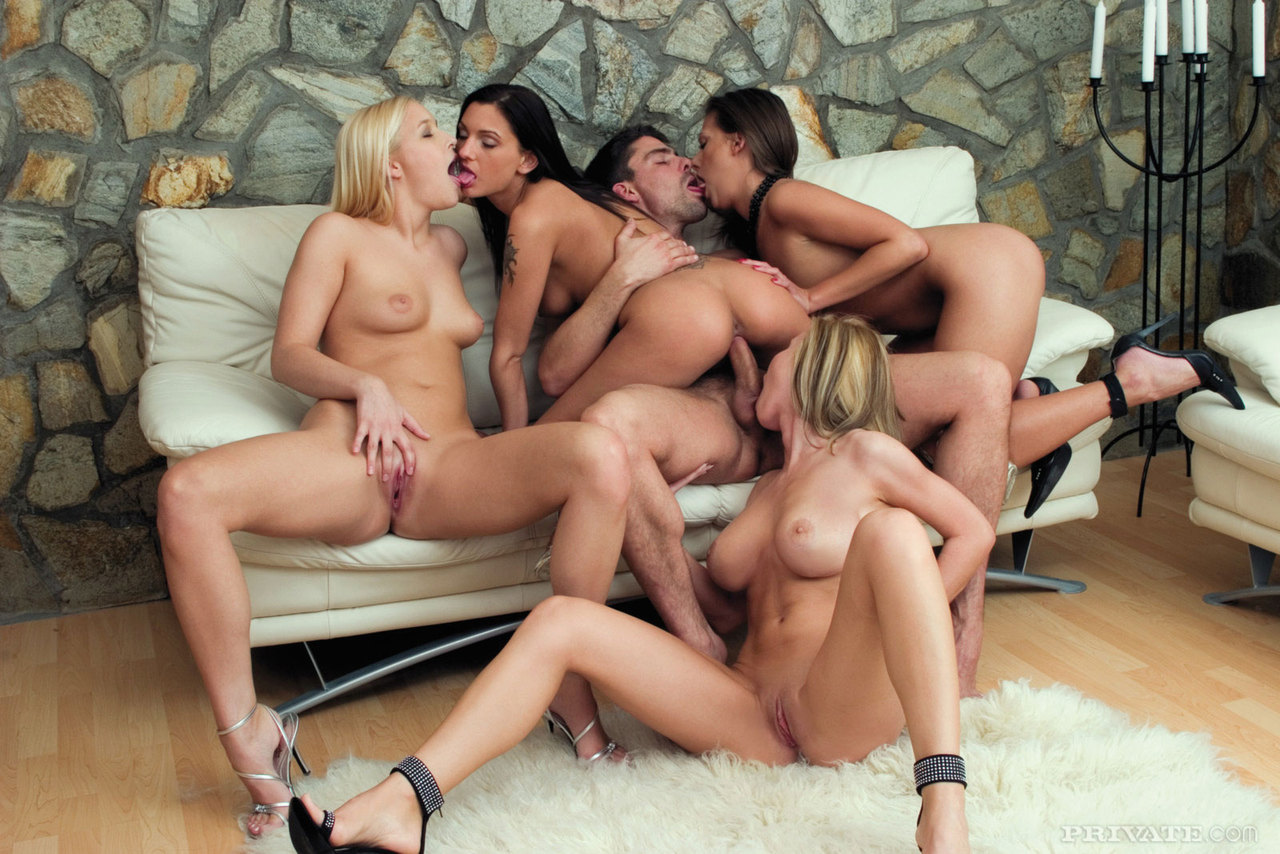 naked-woman-orgy