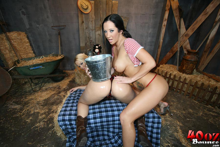 Lonely farm girl sex pics