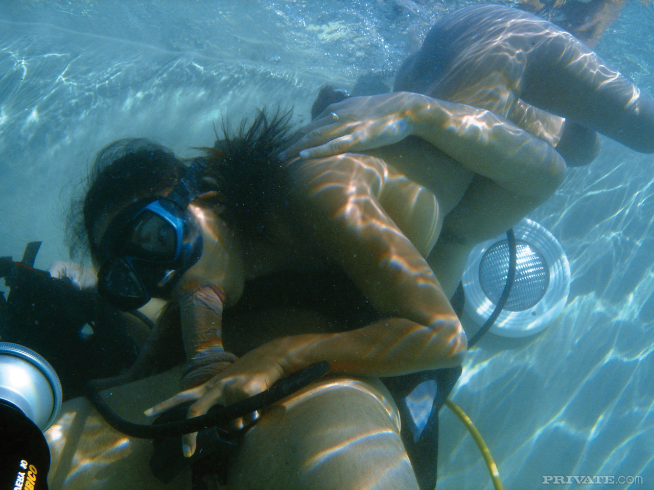 free-pon-gratuitous-video-of-sexy-scuba-divers-swingers
