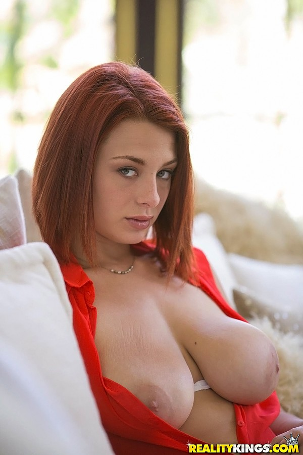 This MILF redhead head in heat