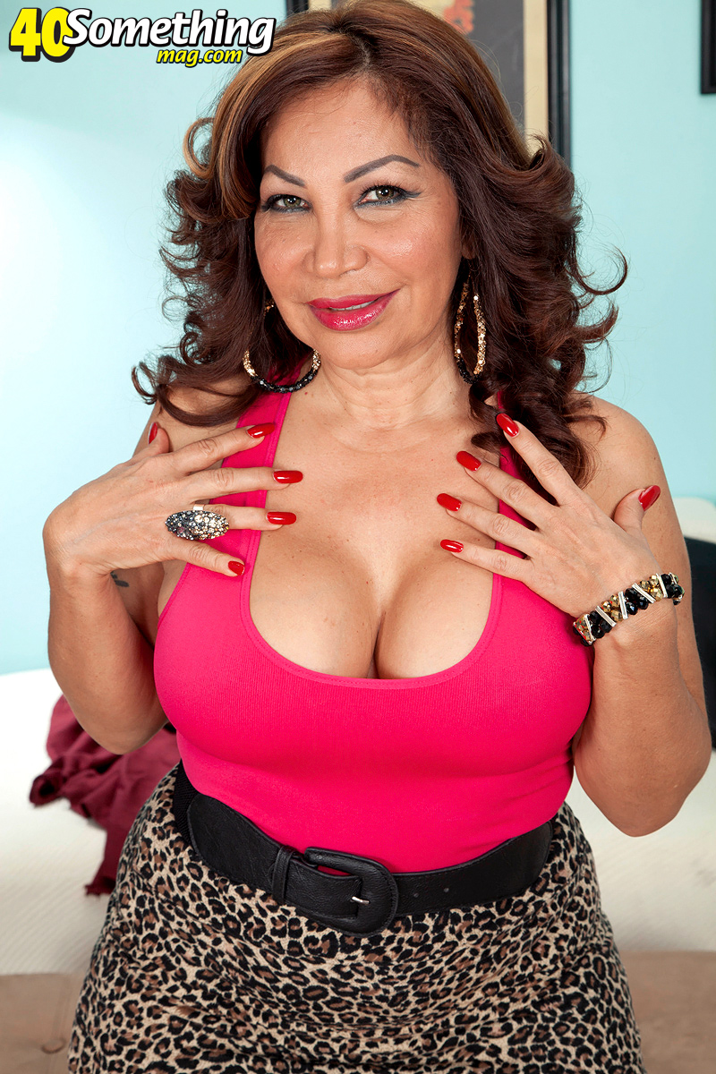 Big latina mature tits