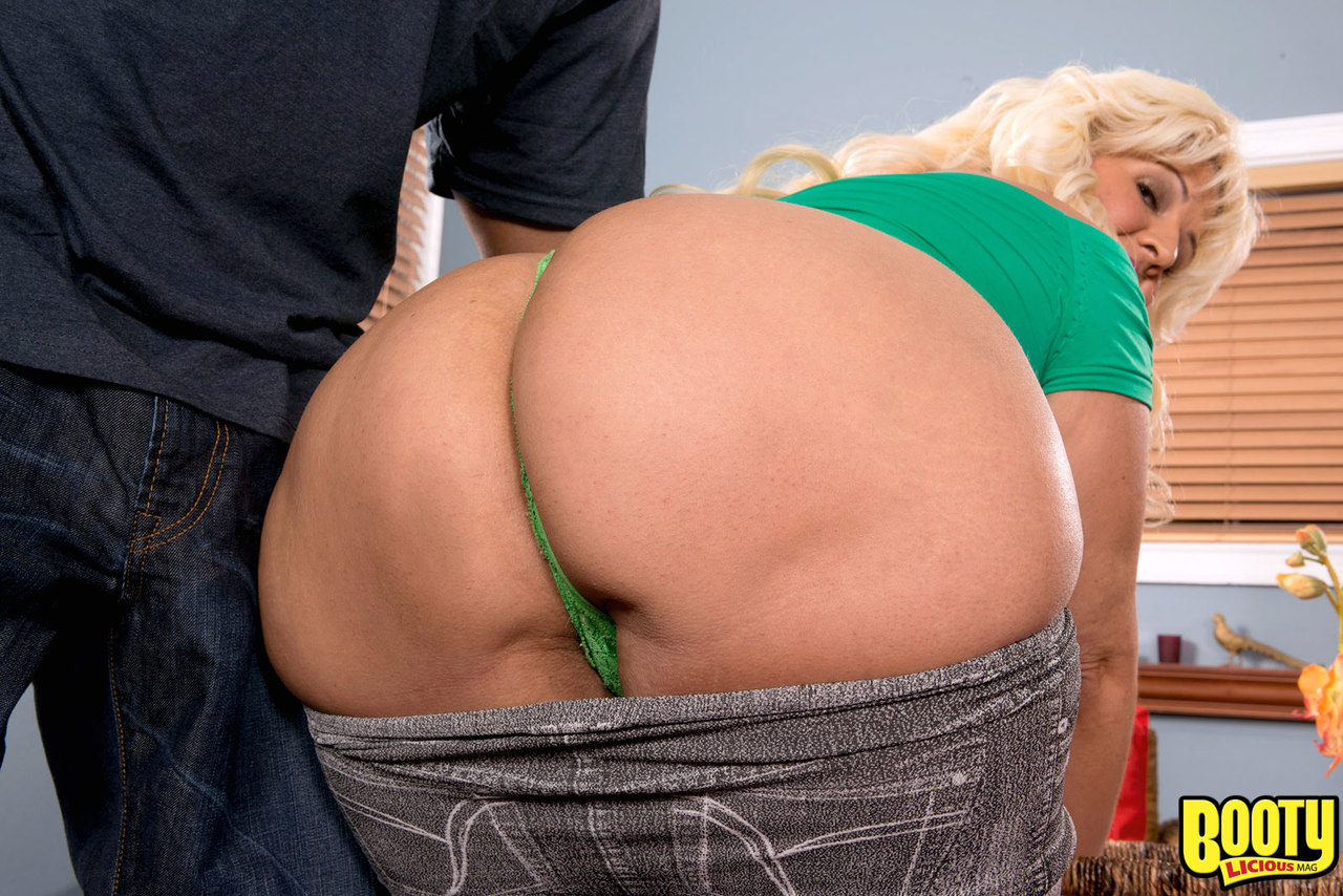 Bootylicious Latin Babe With Bigtits Fucked